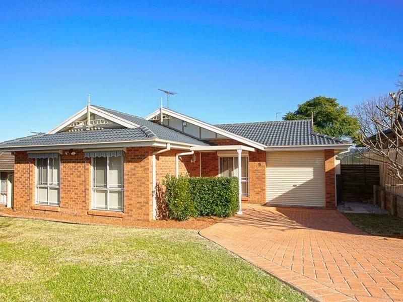 5 Brady Place, Glenmore Park, NSW 2745