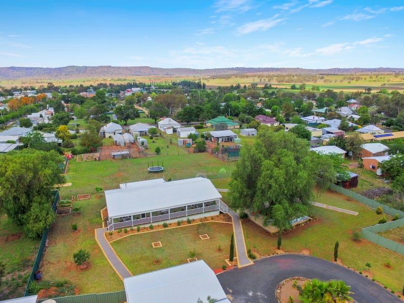 10 Cameron Place, Coolah, NSW 2843