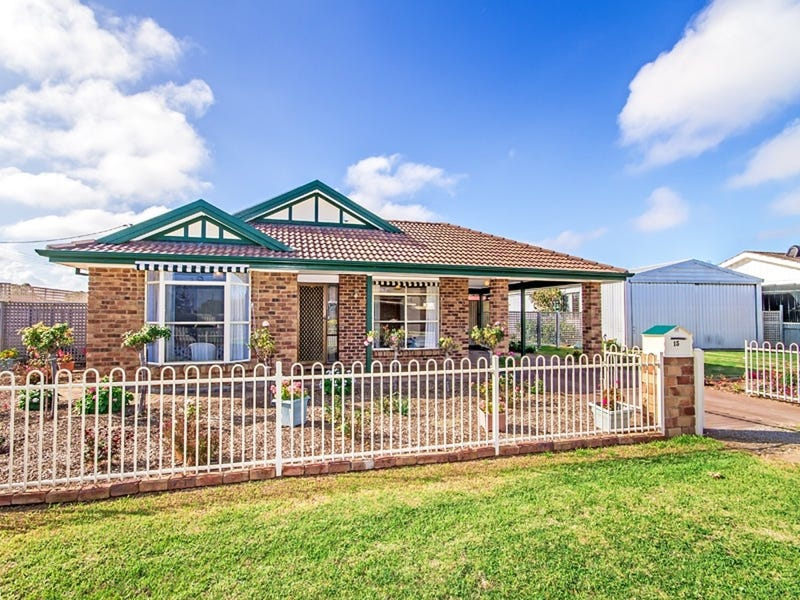 15 Croser Avenue, Aldinga Beach, SA 5173