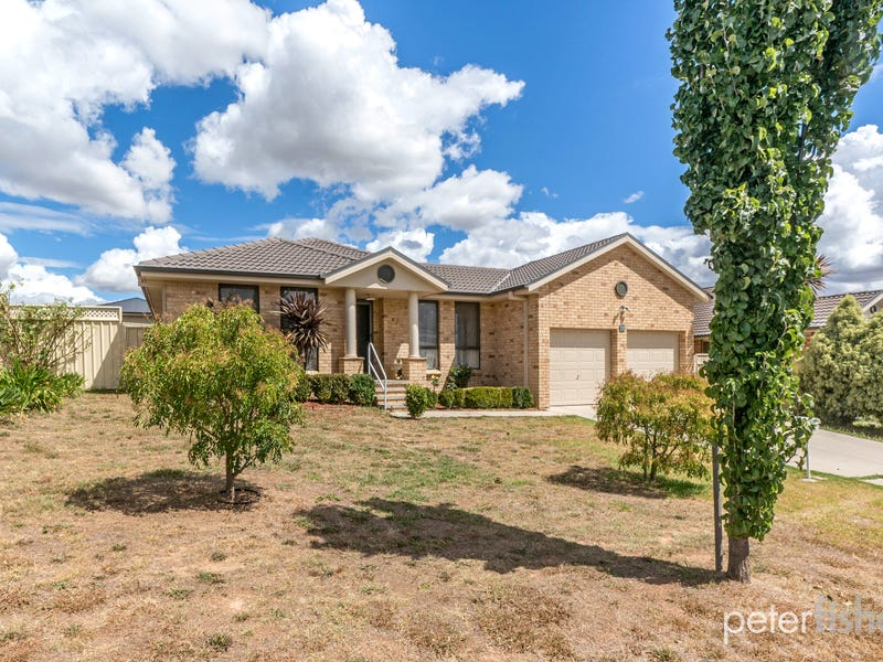 26 Bert Whiteley Place, Orange, NSW 2800