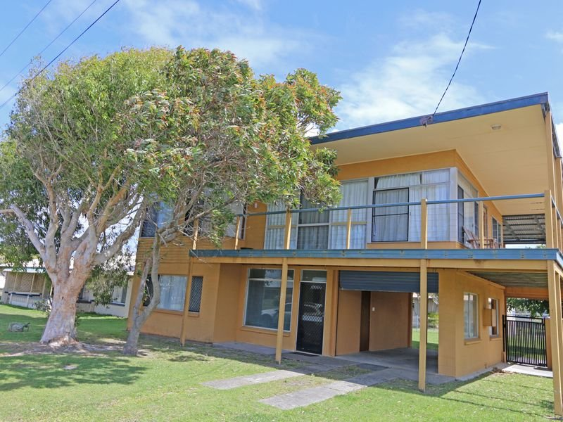 2 Heath Street, Brooms Head, NSW 2463