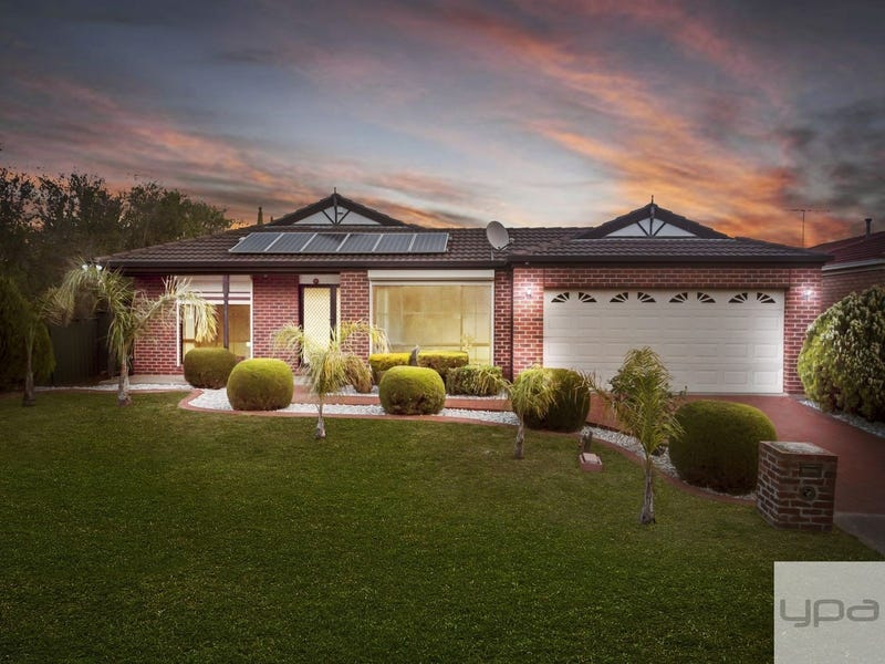 7 Cuthbert Place, Burnside, Vic 3023