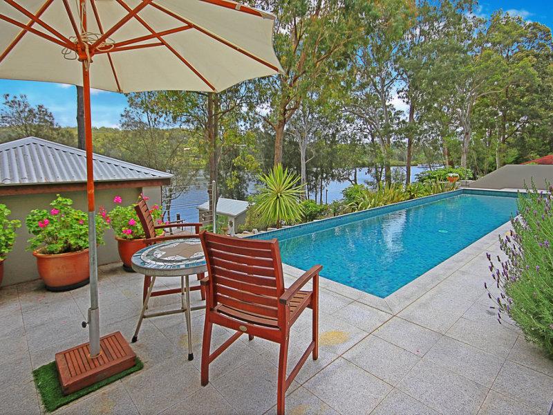 27 Sproxtons Lane, Nelligen, NSW 2536