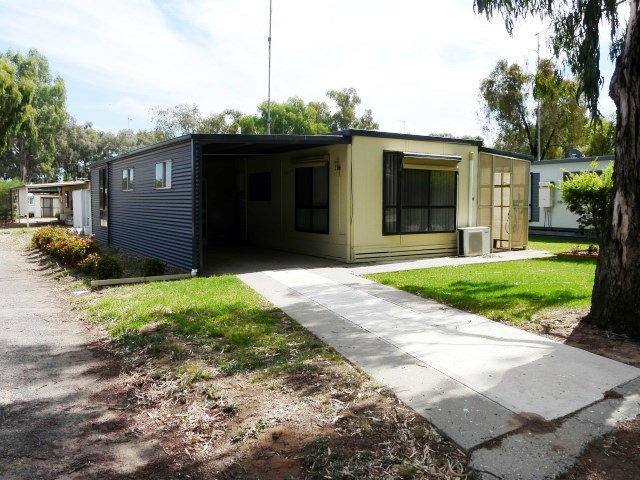 4 Sixth Avenue, Tocumwal, NSW 2714