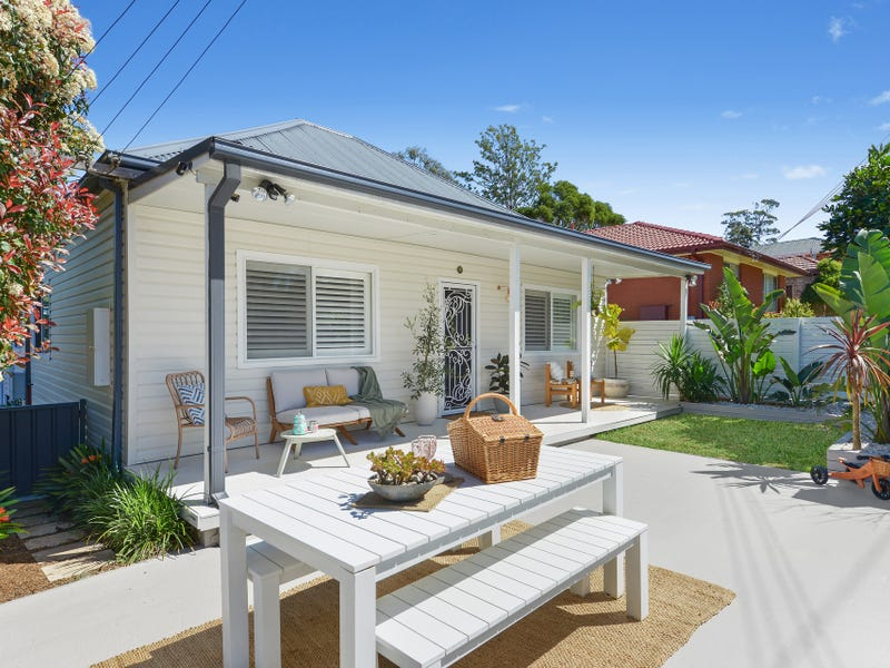 111 Mount Keira Road, West Wollongong, NSW 2500