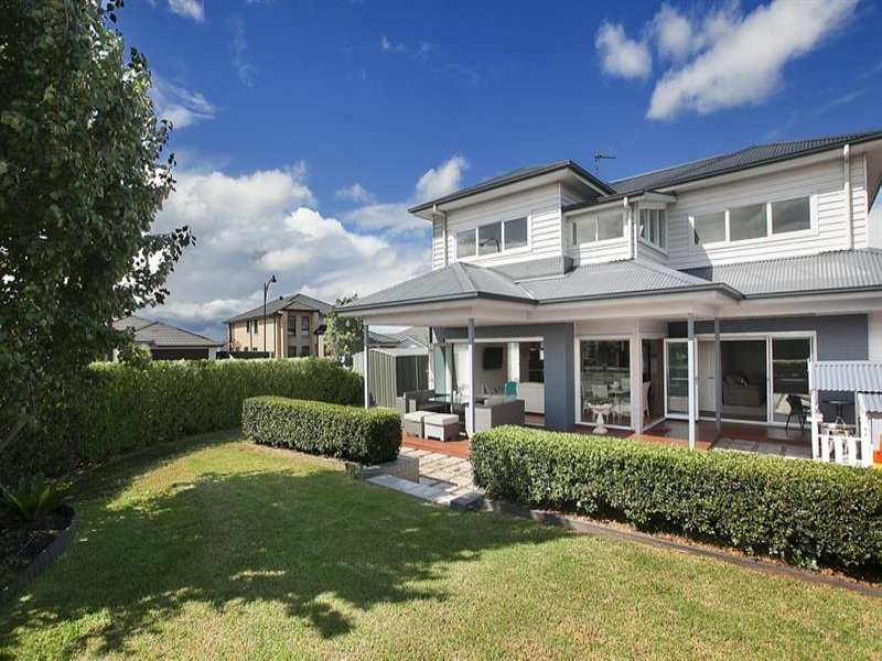 2 Riverside Cres, Haywards Bay, NSW 2530