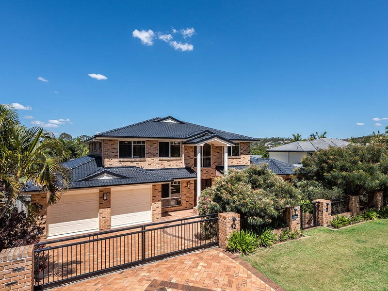 42 St Andrews Crescent, Carindale, Qld 4152