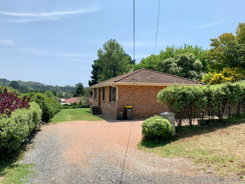 6 Swan Street, Robertson, NSW 2577