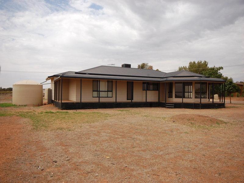 Farm / 1854a Morris Road, Lake Wyangan, NSW 2680