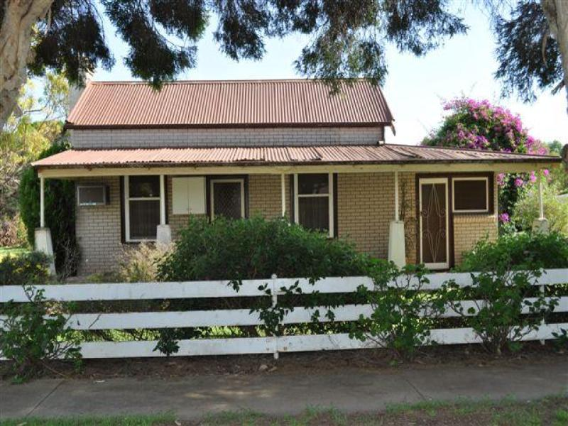 25 Williamson Street, Dookie, Vic 3646