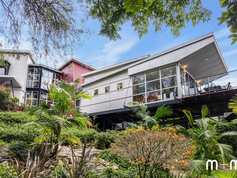 53 Taminga Crescent, Cordeaux Heights, NSW 2526