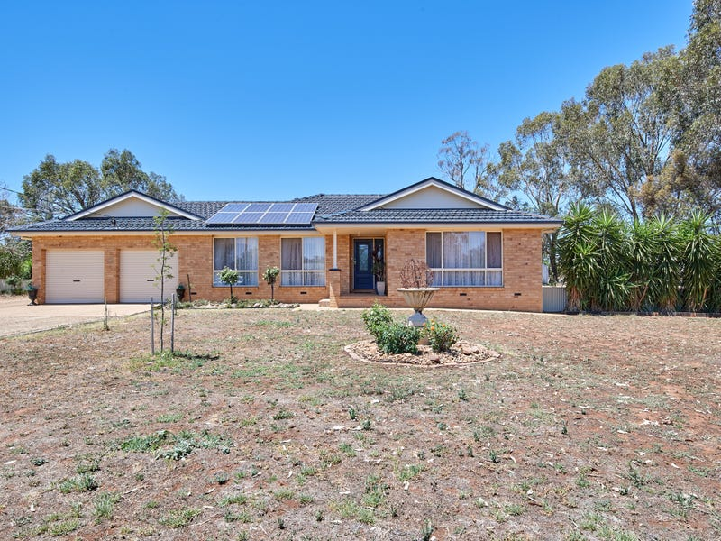 7 Logan Street, Coolamon, NSW 2701