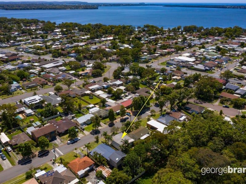 54 Robson Avenue, Gorokan, NSW 2263