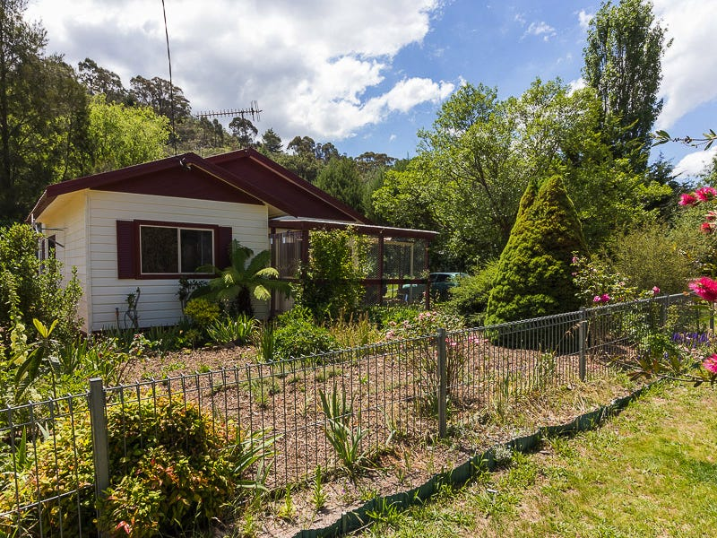 167 Foxlow Street, Captains Flat, NSW 2623