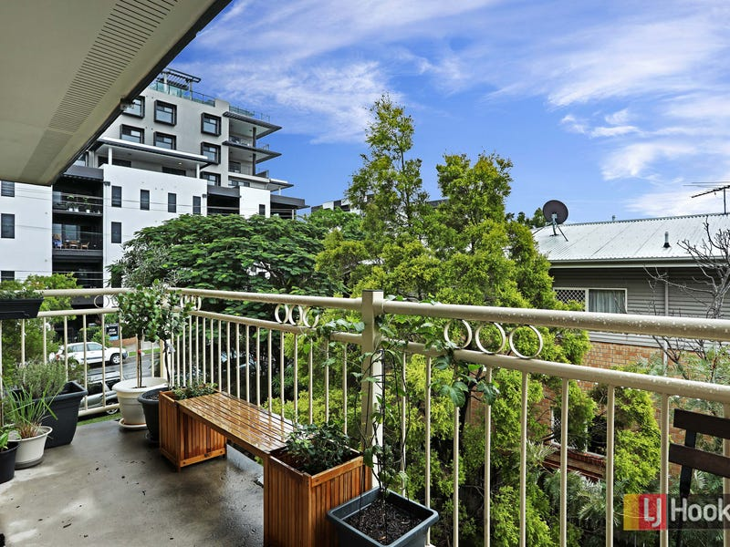 10/138 Clarence Road, Indooroopilly, Qld 4068