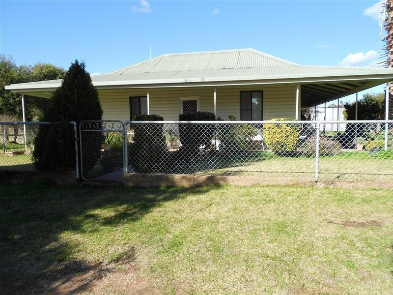135,137-38, Lots/135 137 & 138 Flagstone Street, Cookamidgera, NSW 2870