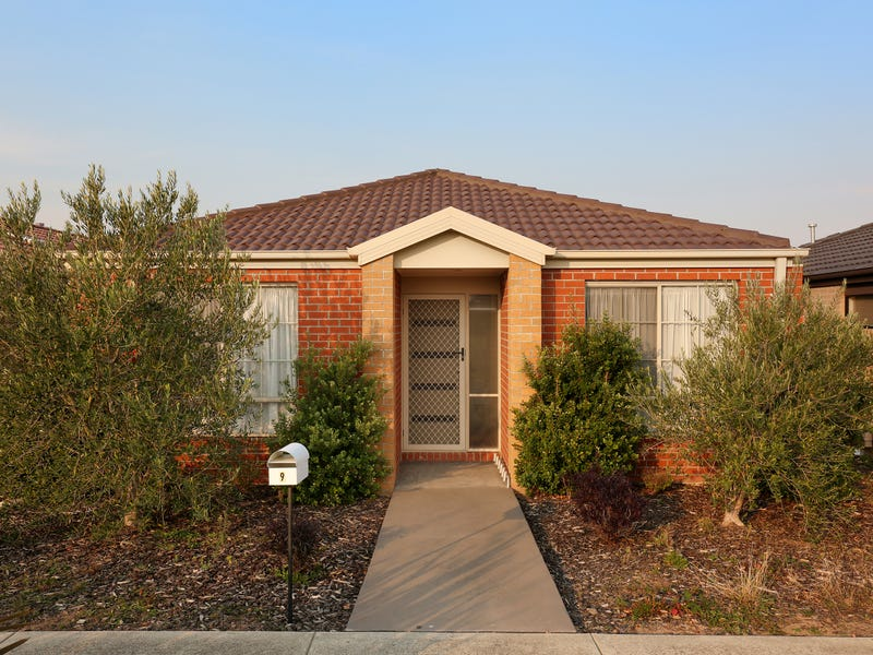 9 Pallyang Lane, Cranbourne East, Vic 3977