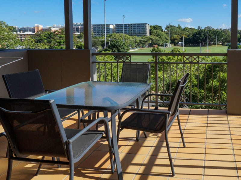 99/300 Sir Fred Schonell Drive, St Lucia, Qld 4067
