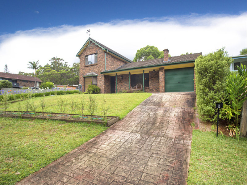 16 Paterson Close, Lake Tabourie, NSW 2539