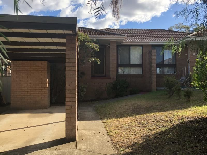 9 Campbell Close, Minto, NSW 2566