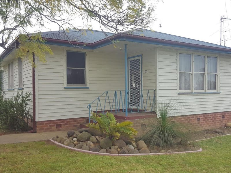 17 Young Avenue, Nowra, NSW 2541