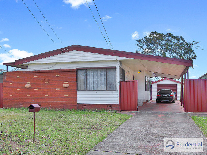 11 Sunset Avenue, Lurnea, NSW 2170