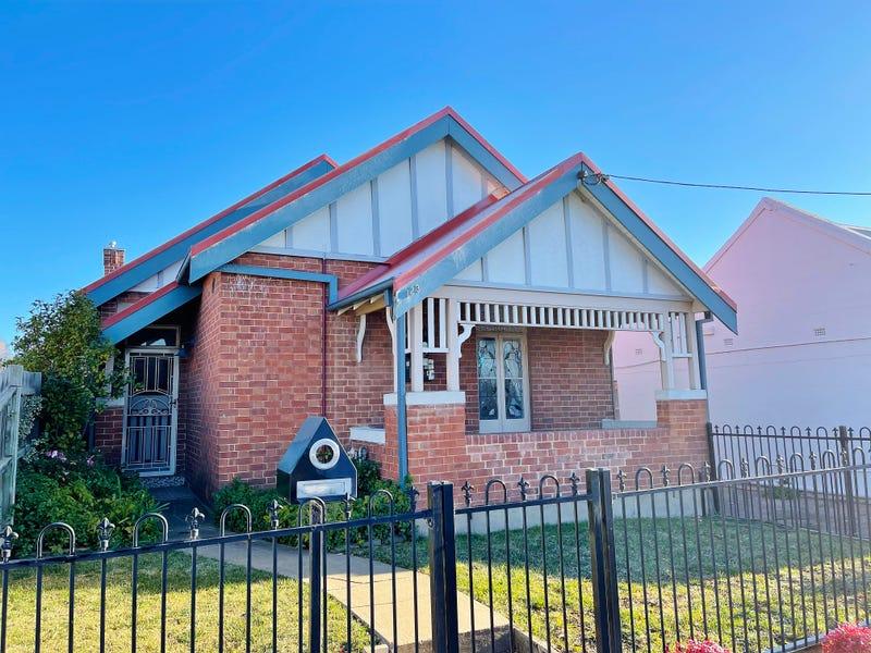 123 STEWART STREET, Bathurst, NSW 2795