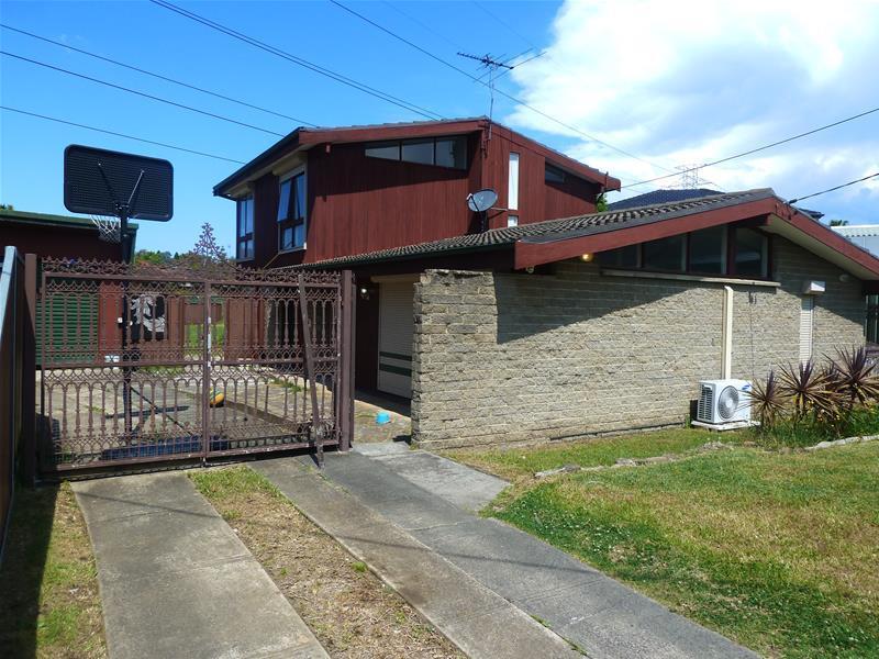 6 Lamson Place, Greenacre, NSW 2190