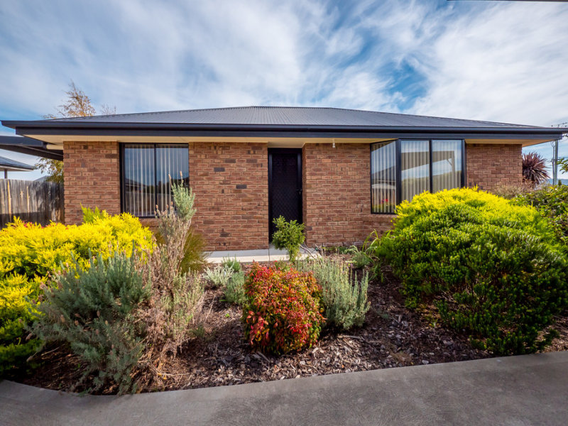 2/2 Roslyn Court, Brighton, Tas 7030