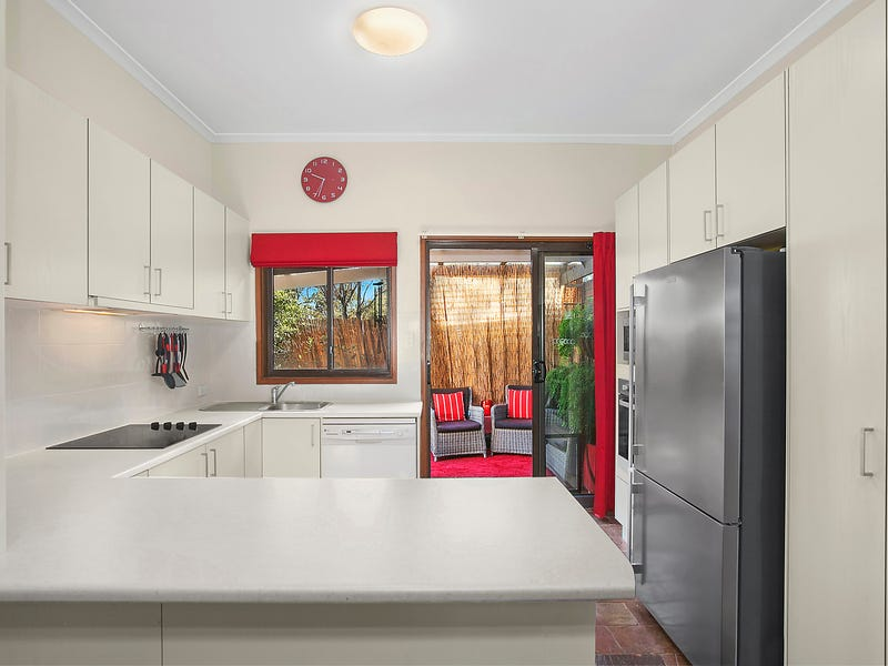 2/9 Hybon Avenue, Queanbeyan East, NSW 2620