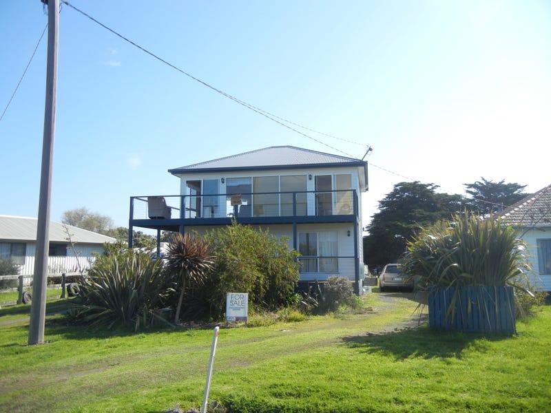 7 McLoughlins Road, McLoughlins Beach, Vic 3874