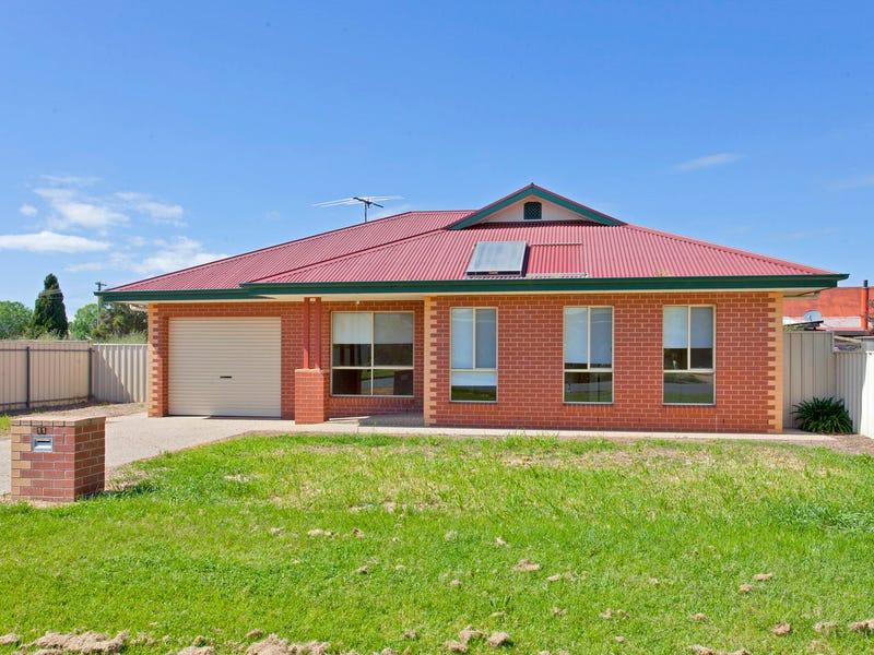 11 Victoria Street, Culcairn, NSW 2660