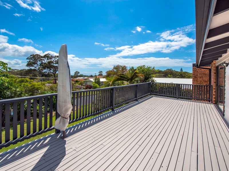 31 Campbell Street, Safety Beach, NSW 2456