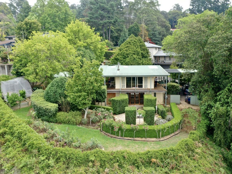1 Vista Place, Kurrajong Heights, NSW 2758