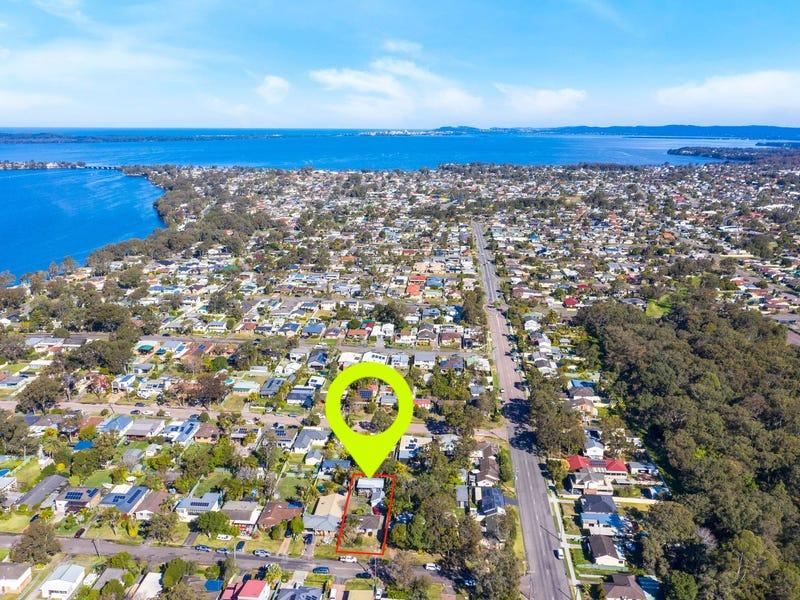 30 & 30a Wadalba Avenue, Lake Haven, NSW 2263