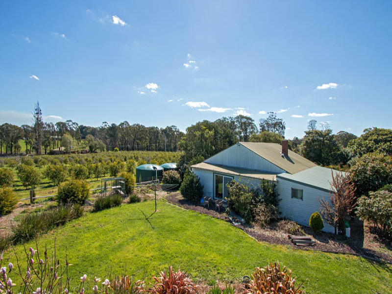 955 Whittlesea-Kinglake Road, Kinglake West, Vic 3757