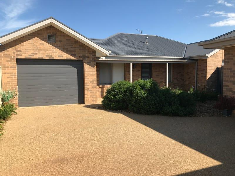 2/9 Malone Mews, Finley, NSW 2713