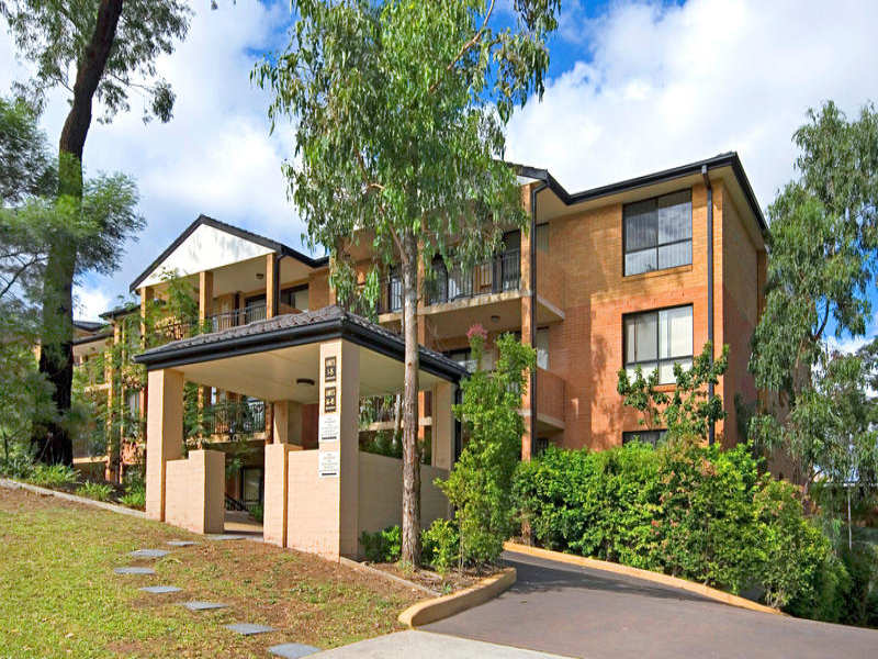 24/1 Batley Street, Gosford, NSW 2250