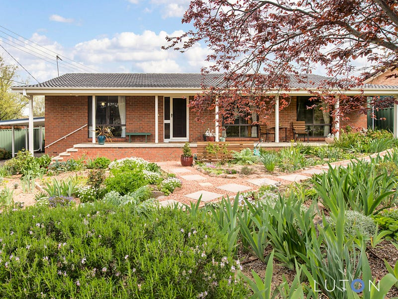 8 Currey Street, Gowrie, ACT 2904