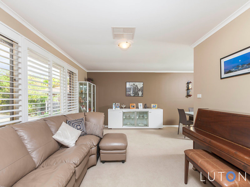 112 Jackie Howe Crescent, Macarthur, ACT 2904