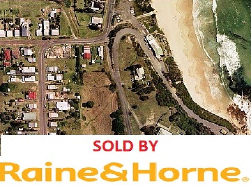 22 CLARKE STREET, Catherine Hill Bay, NSW 2281
