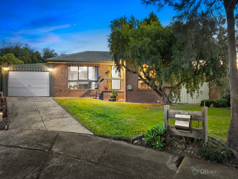 5 Melina Court, Endeavour Hills, Vic 3802