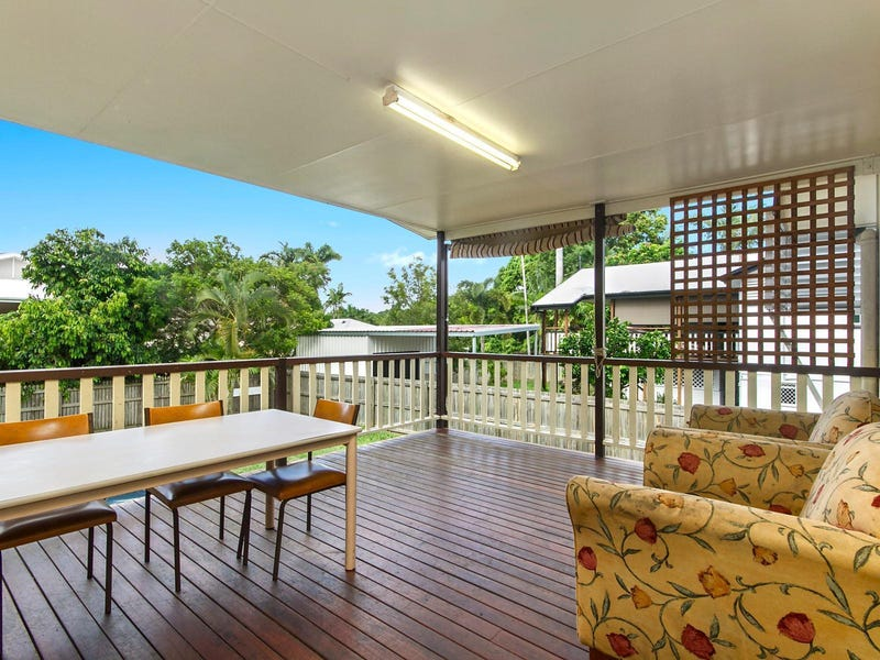 11 Bayswater Terrace, Hyde Park, Qld 4812