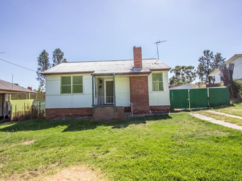 13 Flood Street, Narrandera, NSW 2700