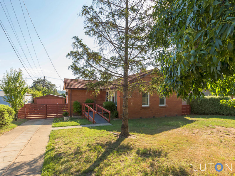 4 McNeil Place, Pearce, ACT 2607