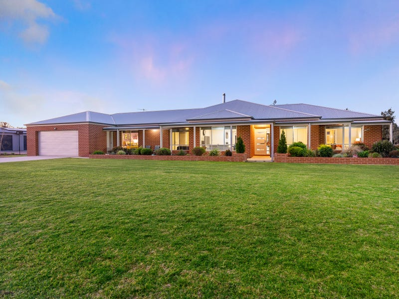 52 Claremont Place, Table Top, NSW 2640
