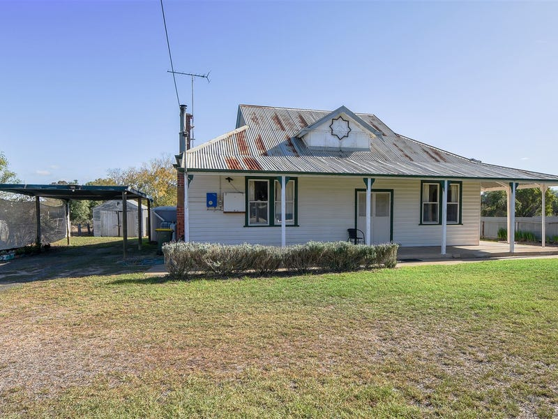 8 Station Street, Goroke, Vic 3412