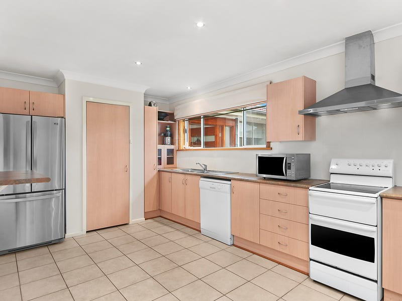 16 Arthur Street, Belmont South, NSW 2280