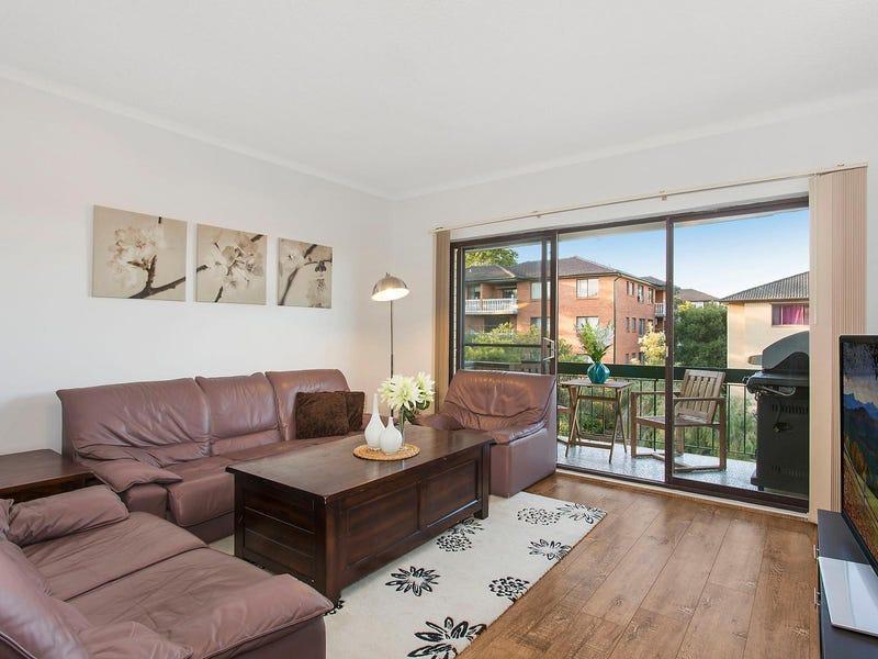 8/13 Winchester Street, Carlton, NSW 2218