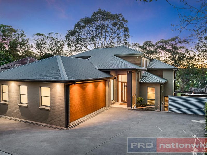 874 Henry Lawson Drive, Picnic Point
